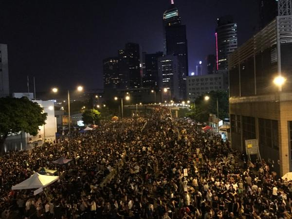 Lived in HK my whole life, but never seen anything like this. Never FELT anything like this. Goosebumps. http://t.co/8sF3S2R7Mu
