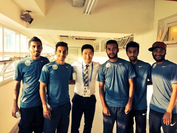 أنا أخذت هذه الصورة مع allhilal اللاعبين في كوريا..@.@ http://t.co/gemSs5HLlf