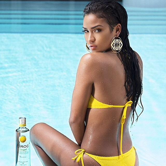 RT @GlobalGrind: Diddy crowns Cassie as his queen for new Ciroc campaign http://t.co/pK4im6rQgU http://t.co/rMiClIrjDj