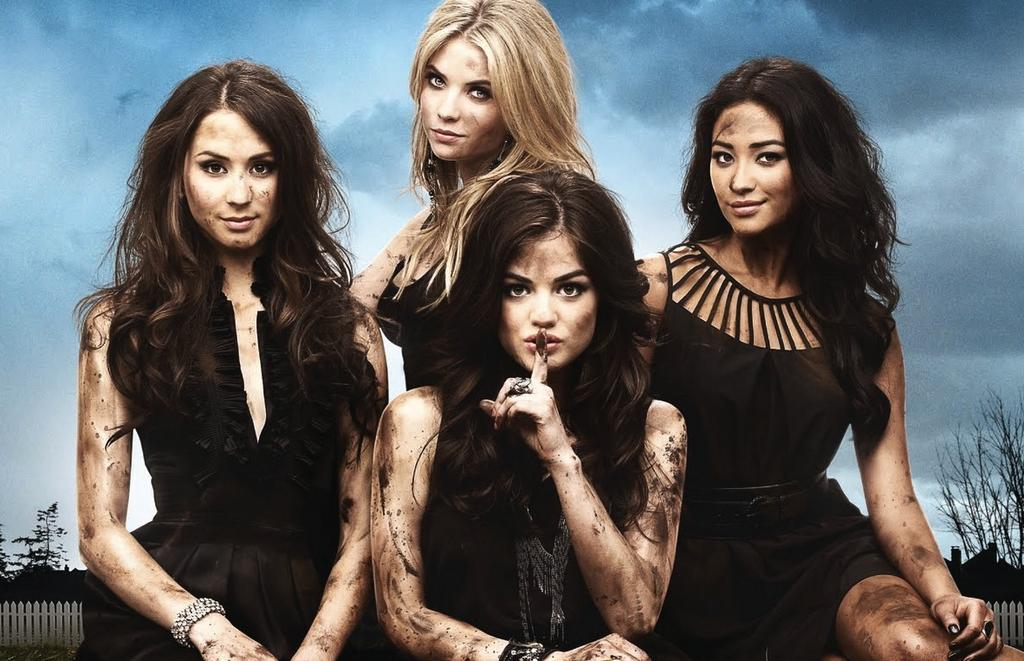 Someone on #PrettyLittleLiars is freshly single -- can you guess who??? http://t.co/GH6JOk5MJ9 http://t.co/4reNs1DodF