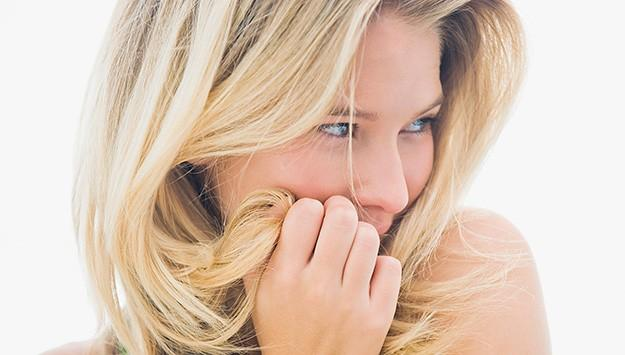 10 tricks to make fine hair look thicker: http://t.co/hmwBi9cE9c http://t.co/PslGXnbmMH