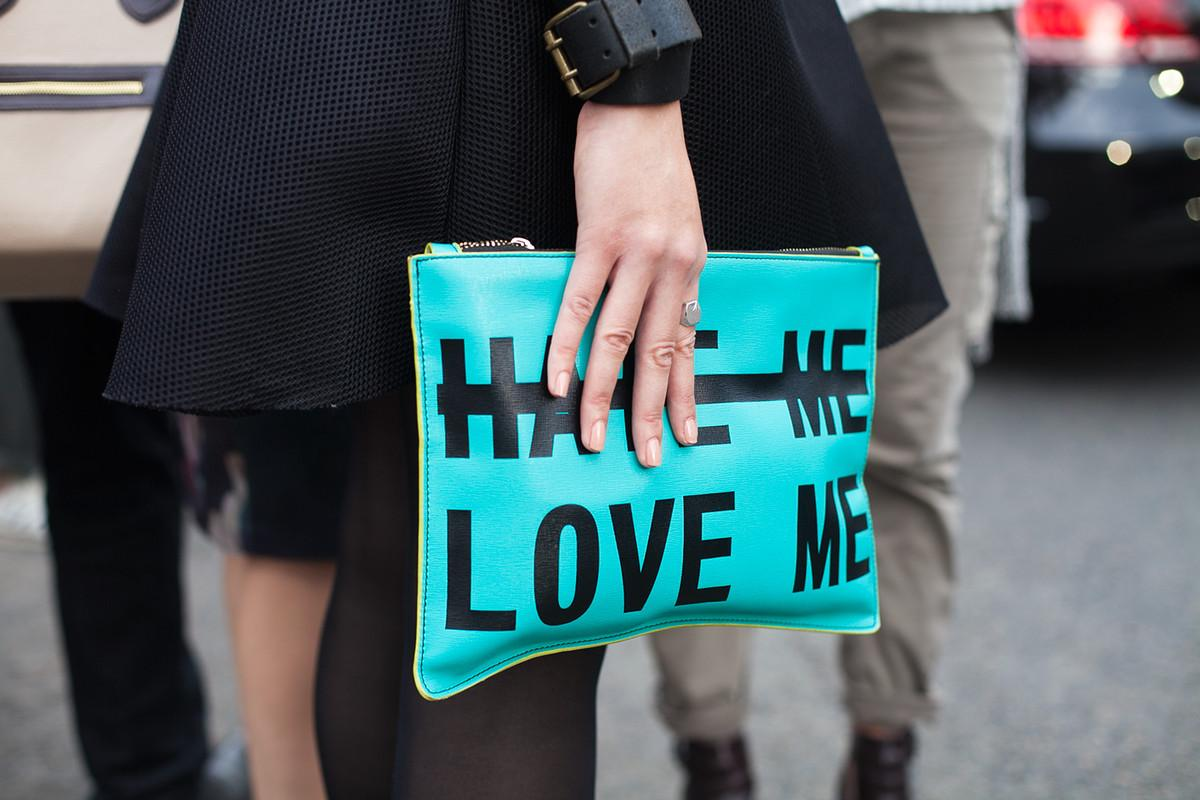 It's all in the details: See the best street style outside the shows in Paris http://t.co/5lO13fIAsv http://t.co/pcuolgegzp