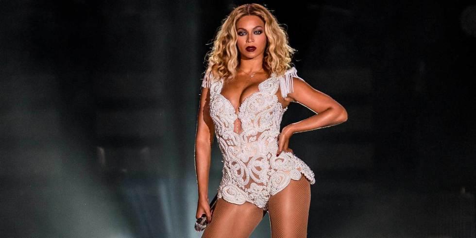 6 things you never knew about Beyoncé's surprise album release: http://t.co/oRHeg8r0Ou http://t.co/njCzO8lNDs