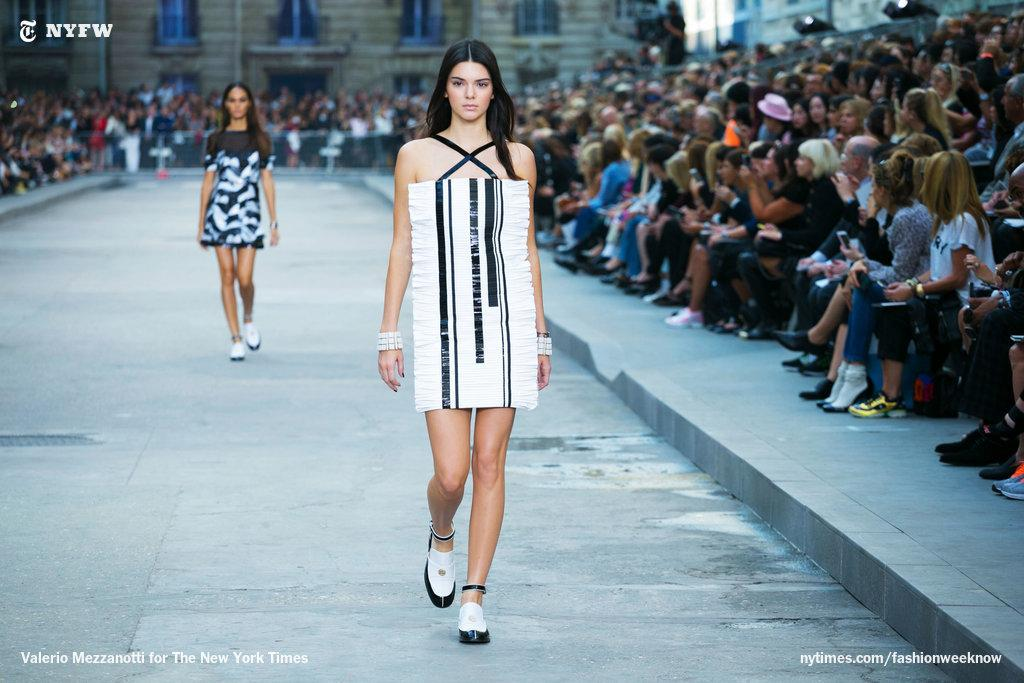Kendall Jenner, who has been spotted all over the Paris runways, appeared at Chanel. http://t.co/0XFjnuDrqm http://t.co/7qX2QFEWN6