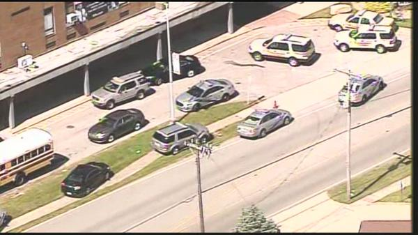 Watch Live: Shots reported at Fern Creek High School http://t.co/kxzzf5z08y http://t.co/btL1lfORIj
