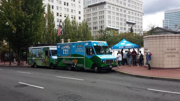 Free Ice Cream at Pioneer Courthouse Square courtesy of @BenJerrysTruck http://t.co/bD7Qj5GeCJ