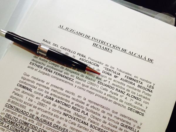 Camino de los juzgados de Alcalá d Henares #querellaobispo http://t.co/eXAODCnZat