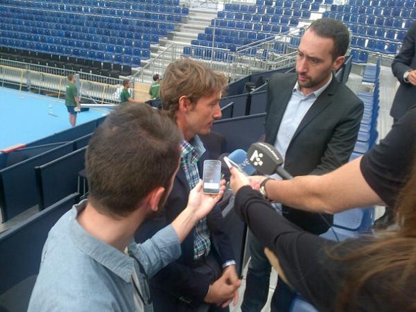 Noticia!! @juankiferri confirma a los medios en el Agora que Andy Murray jugará el #valenciaopen500 #nadiesintenis http://t.co/w0m92s7npg