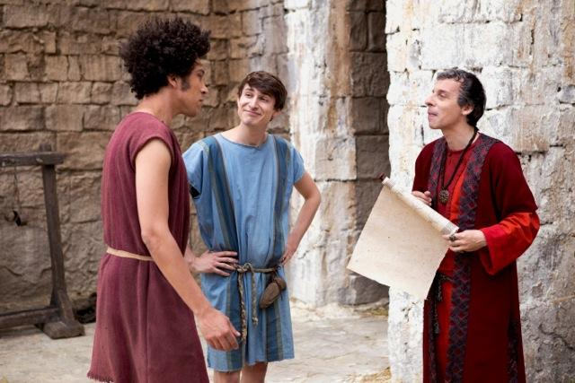 RT @rosentweets: A new #Plebs and a new slave tonight with @davidschneider and @timkeyperson. @Itv2 at 10. @PlebsComedy http://t.co/DOQdrEO…