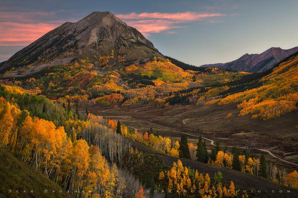 Gothic Peak. This area near Crested Butte had the most varied/intense color I saw this year. https://t.co/QoieOkKtAz http://t.co/EoYUa3y0YD