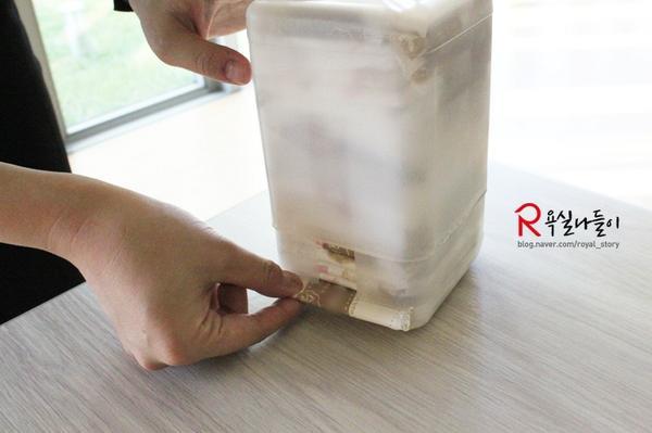 여성용품으로 산만한 수납장을 한방에 정리해 줄!  플라스틱 우유곽으로 깔끔한 '여성용품 정리함' 만드는 법!  궁금하시다면 ↓ click! click!  http://t.co/8vUqUzvPjr http://t.co/0S8T3Dlcd3