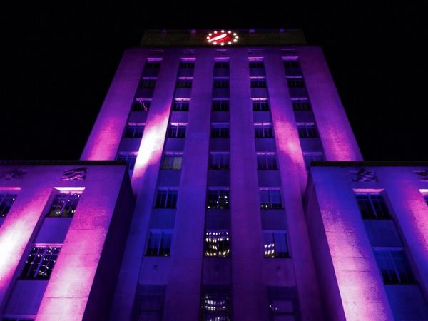 """@hawctalk: Lookin' good @houstontxdotgov City Hall! Lit in #purple for #DomesticViolence Awareness Month http://t.co/x9qPbSd4gY"" Love!"