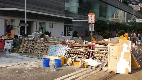 Bz3yzuNCYAAcz4g The Umbrella Revolution в Гонконге - профилактический ремонт