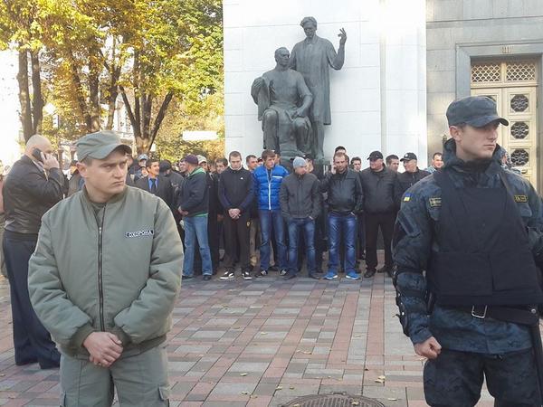 Милиция задержала своего сотрудника по подозрению в избиении правоохранителей под Радой - Цензор.НЕТ 7441