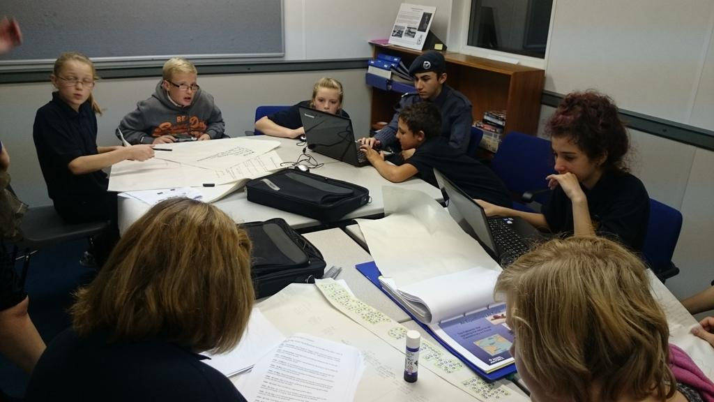 RT @141BostonSqn: Our newest recruits inc 6 12yr olds are busy researching the history of the RAF #1stclass #juniorcadets #aircadets http:/…