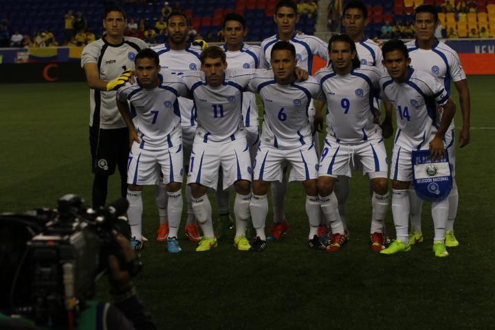 14-10-2014 - Amistoso El Salvador 1 Ecuador 5. Bz8n1ySCEAATQDT