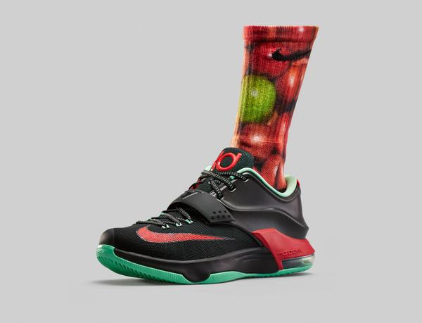 huge discount b3345 8e5c4 The  Good Apples  Nike KD Digital Ink Elite Crew socks are now available!  BUY HERE  http   bit.ly 1vlwz9p pic.twitter.com Xpw4ioqR3p