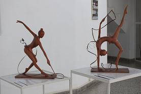 Confluyen en galería camagüeyana de artesanos artistas, exposiciones de talla en madera