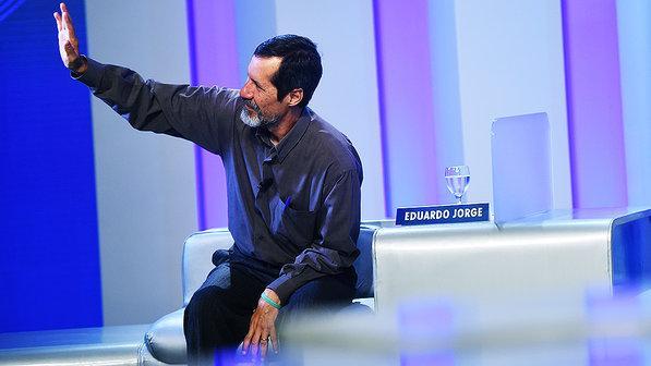 Eduardo Jorge diz que nunca usou maconha – prefere 'Toy Story' http://t.co/bmmnrfHsPQ http://t.co/i19go5R6K2