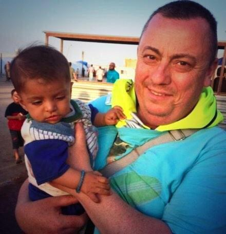 Don't search for it, Don't watch it, And don't share it. He went to help and they cut off his head.  #RIPAlanHenning http://t.co/S8qczdrqNM