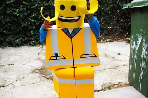 Ehow On Twitter Your Kids Will Rock The Lego Construction Worker