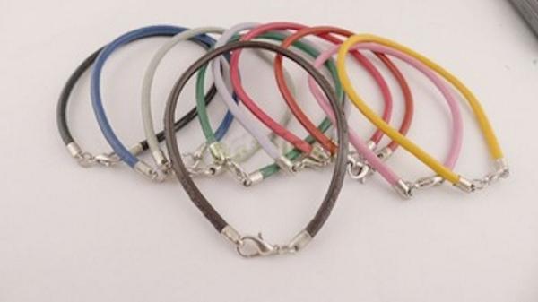 leather charm bracelets pic.twitter.com/geiayOeoUq  https://www.ebay.co.uk/str/rubyredsky