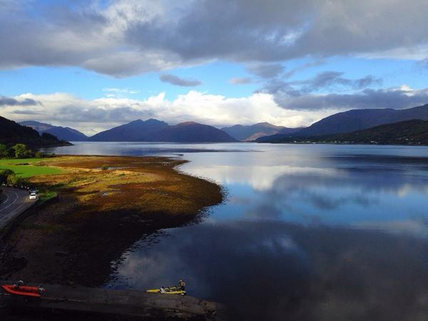 .@reallorraine Good mornin L fae stunnin #Ballachulish near #Glencoe ☀️ Headin fir the mountains o #Glenfinnan http://t.co/51oPyuK2CQ