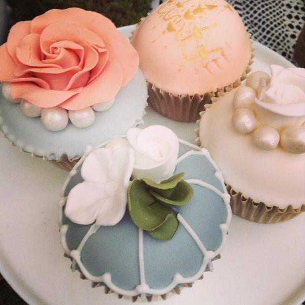 Yummy cupcakes @bridestheshow from Bijou http://t.co/UBWlJj83cp