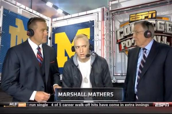 Eminem watching Katy Perry on College Gameday http://t.co/6abUvkiBdp