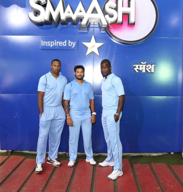 Great meeting/working with @darrensammy88, @RaviRampaul14 & @KieronPollard55 at @SmaaashLive.   Super cool guys. http://t.co/bjaLGIS2dd