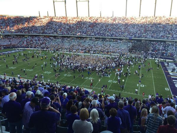 Party Time Fort Worth! #TCU beats #OU for the first time ever in Fort Worth! http://t.co/5hVH3HxFws
