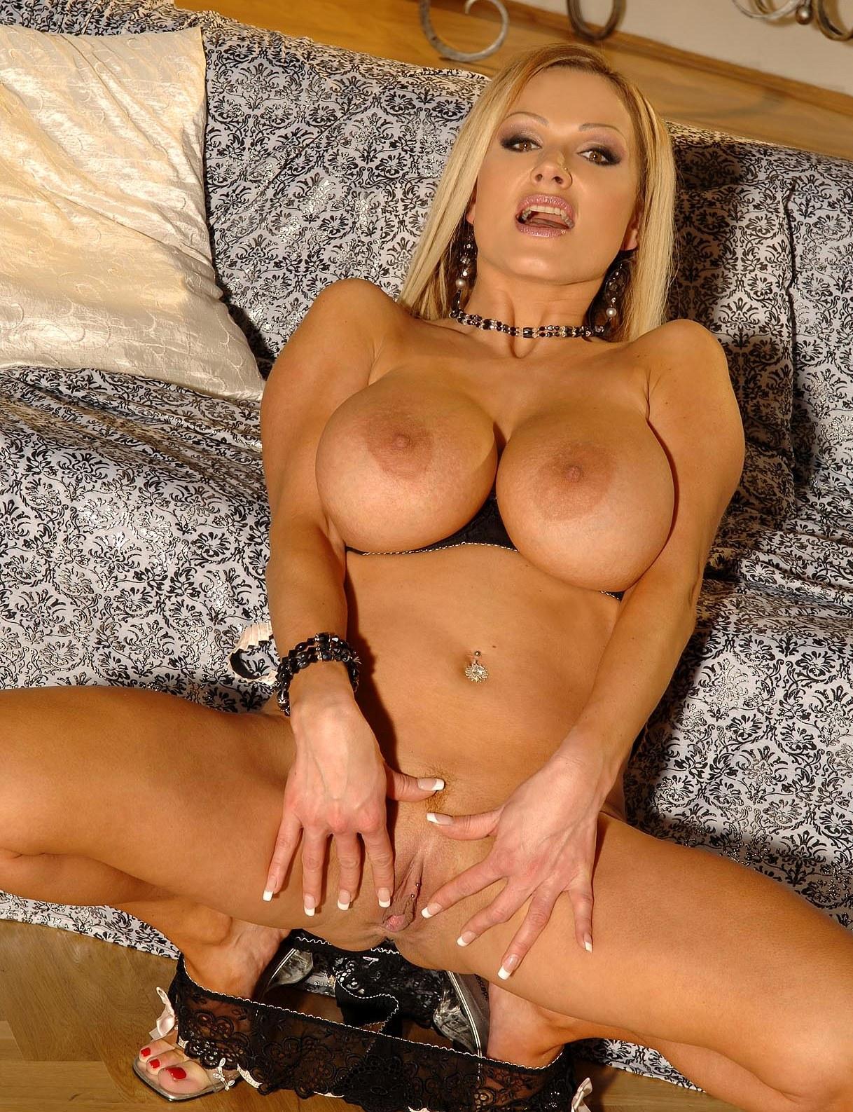 Sharon Pink Milf 60