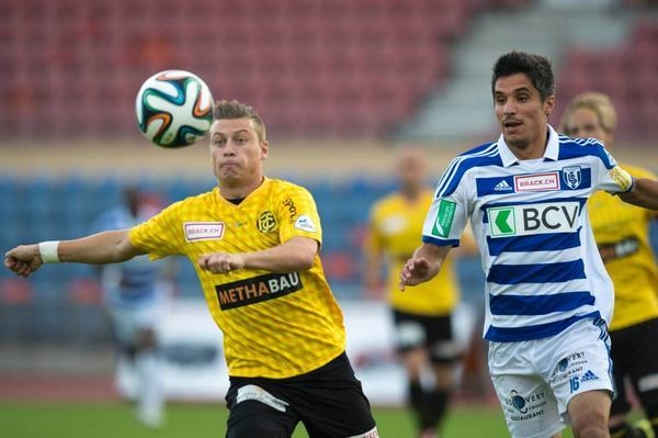 Alioski (L) focuses on the ball vs. Lausanne