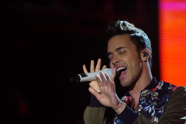 And darling darling stand by me ♪ ♫ #FestivalPresidente2014 @PrinceRoyce http://t.co/4BhelsucQX