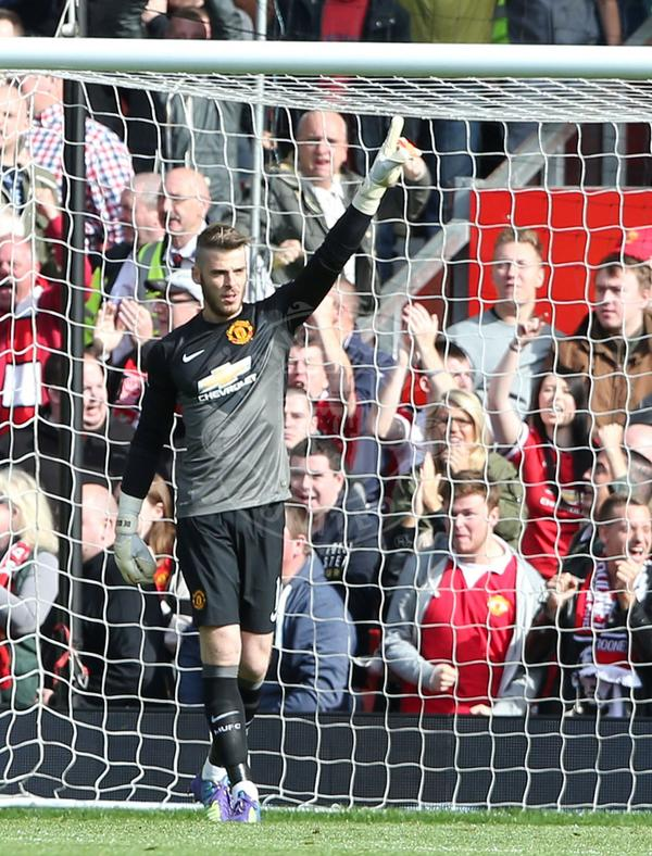 Retweet to vote for David De Gea as United's Man of the Match against Everton. #mufclive