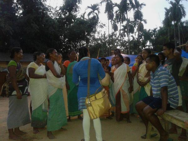 "Women of Dirima need mekhla-chaddor, say ""we don't want 2 say no,but we can't wear nighties/frocks."" #NEFloodRelief http://t.co/X3u9gYW7cV"
