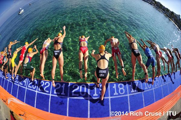 Photo - Swim Start @worldtriathlon women's race #CozumelWC. http://t.co/4oR1LqhL4O