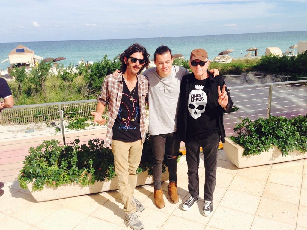 RT @Harry_Styles: The O'Barrys and O'Harry. http://t.co/JZpLCdtBid