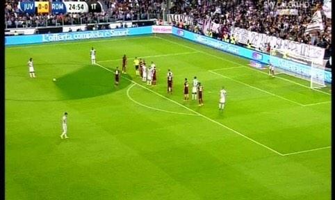 Juventus Turin 3-2 AS Roma ( 6ème journée ) - Page 18 BzQMW4fCQAEg36Y