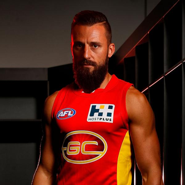 BREAKING: The Gold Coast SUNS have signed Sydney Swans defender Nick Malceski: http://t.co/GZoJ6uHU5E http://t.co/8eaFn0udFP