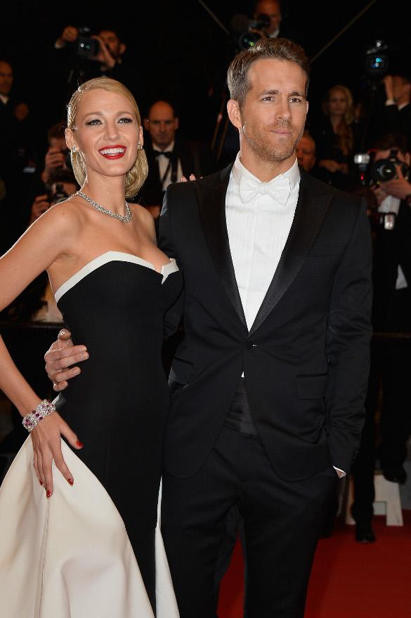 Darlings, I have the best news to share this morning! Blake Lively is pregnant! http://t.co/LRN53Zqh59 http://t.co/dEdQD3nfh1