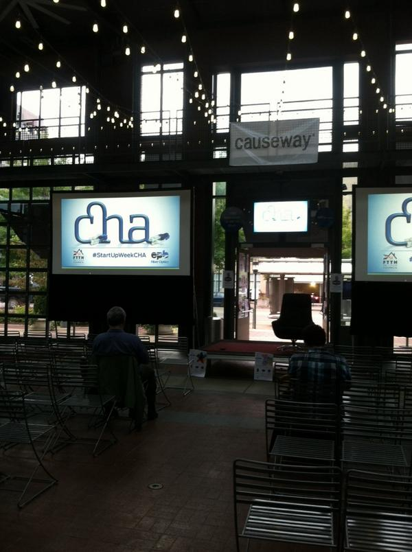 In 1 hour @cebrock hosts @bfeld via live videoconference from #StartUpWeekCHA c/o @EPB_Chattanooga @ChattanoogaGig http://t.co/MiNtEb58AO
