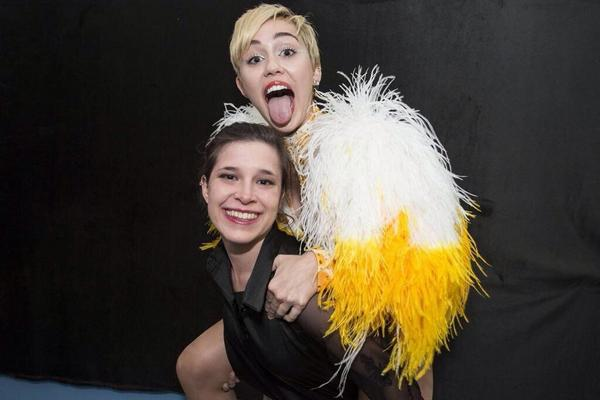 Mileycyrus updates on twitter photos meet and greets from mileycyrus updates on twitter photos meet and greets from mileys show in argentina httptorypswd79a m4hsunfo Gallery