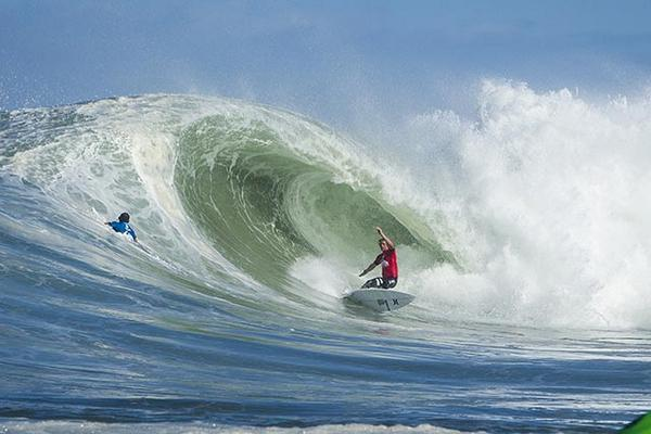 5 reasons why @johnjohnflorenc won the #QuikProFrance http://t.co/1i7NSXiOc3 Pic: @ASP http://t.co/Rb7PVNEL5G