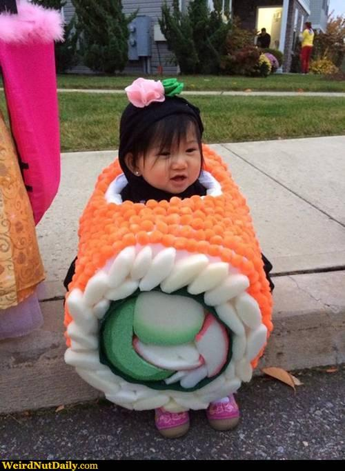 I interrupt my regular Tweet stream to bring you a human baby dressed like sushi (and it's really cute) #BabySushi http://t.co/uInov0Z3Bn