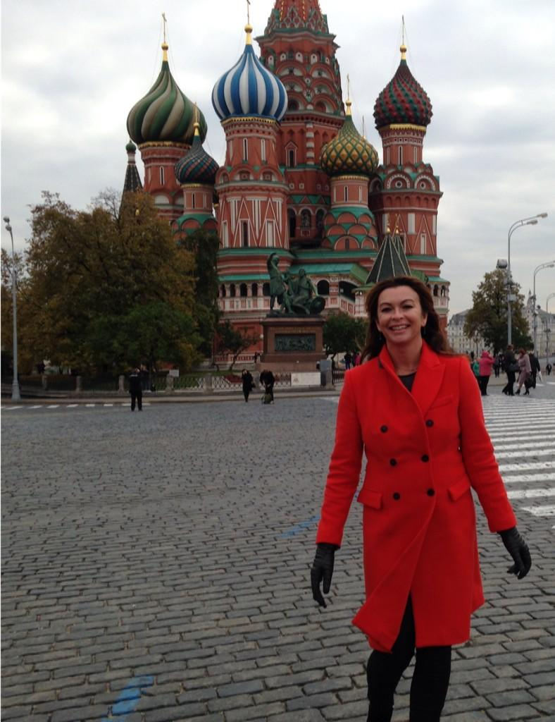 RT @suziperry: Filming in Red Square #moscow @bbcf1 it's Freezing! http://t.co/mDy1GSdeJ0