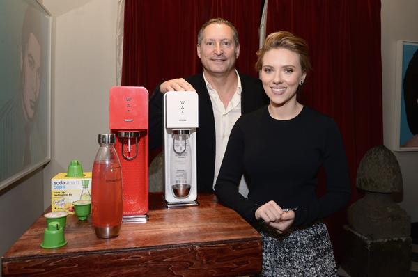 Scarlett Johansson couldn't convince Americans to buy SodaStream nel 2014.