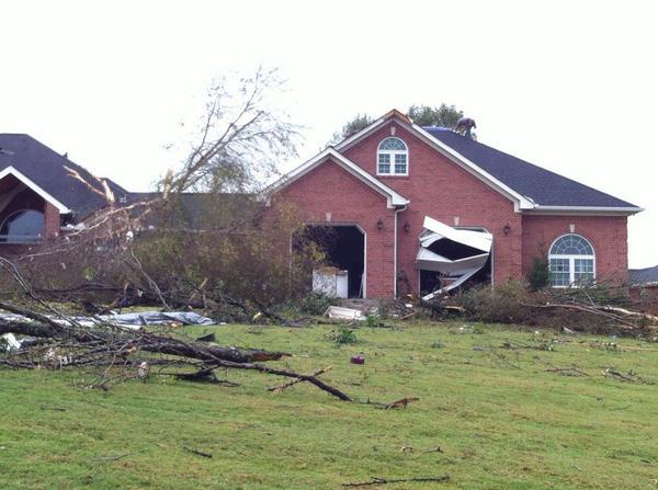 Pics For > F1 Tornado Damage