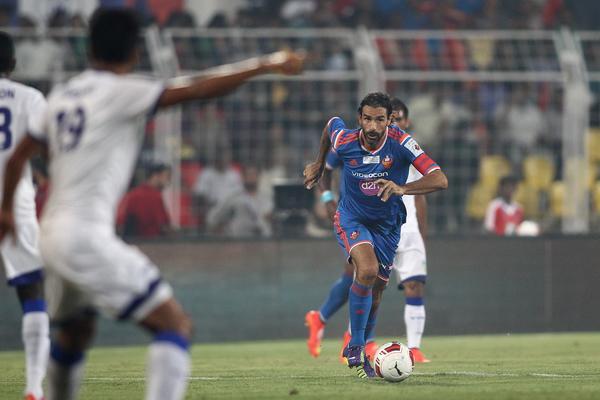 ROBERT PIRES - Con 40 años, el francés juega al fútbol en India, al igual que Ljunberg
