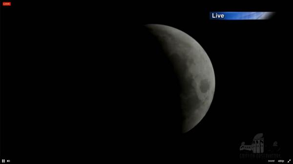 Watch our #LunarEclipse live stream & join our live chat now: go.nasa.gov/1savRyi #bloodmoon #eclipse pic.twitter.com/C6pizjjj68